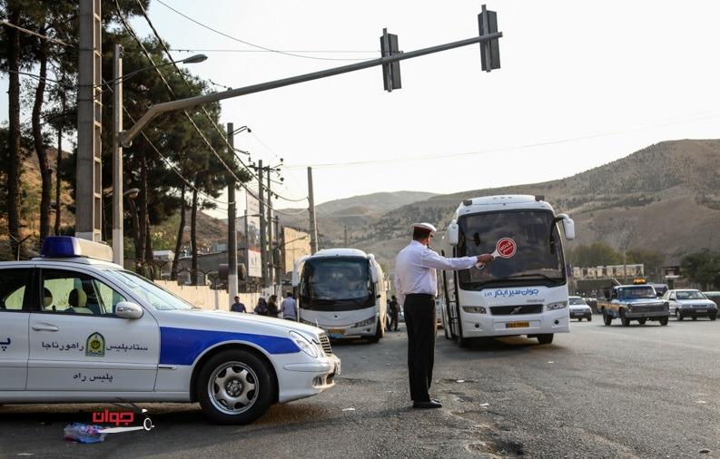 برخورد پلیس با اتوبوس ها