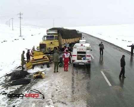 تصادف در محورهای برف خیز