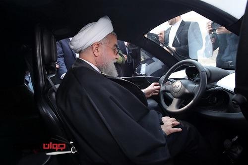 رانندگی رئیس جمهور با خودرو برقی