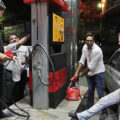 پرکردن دبه بنزین در جایگاه