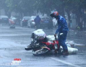 موتورسواری در باران